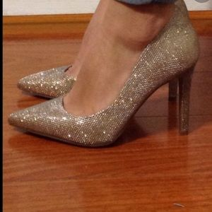 NEW Jessica Simpson Lancie gold pointy toe pumps